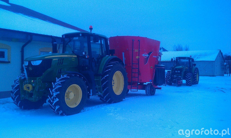 John Deere 6140M + Kuhn Euromix 12m3 + John Deere 6420 + TUR 6 Biedaszki