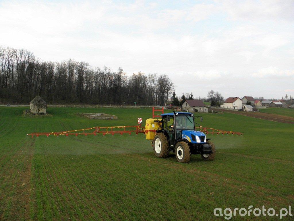 New Holland T4020 + Pilmet 815 XL