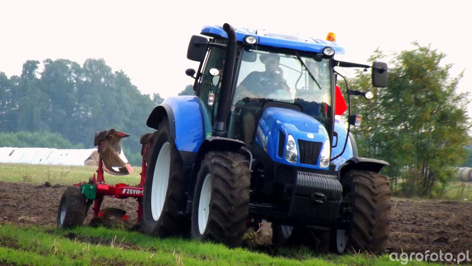 New Holland T6.165 & Agro-Masz