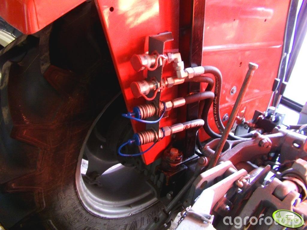 Dodatkowe wyjścia hydrauliki MF 255