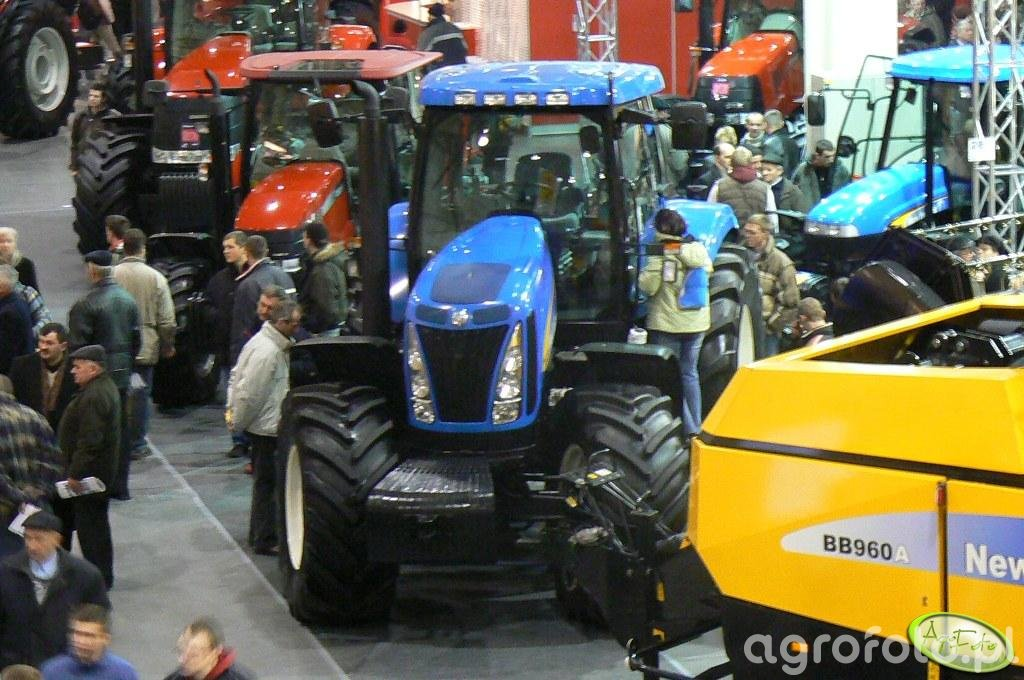 New Holland T8000