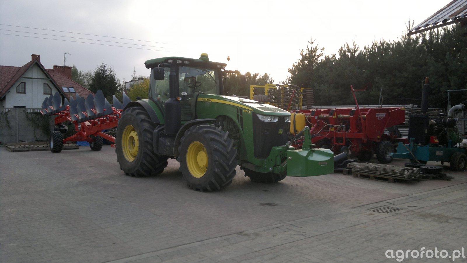 JD 8335R + Kuhn Challenger 7