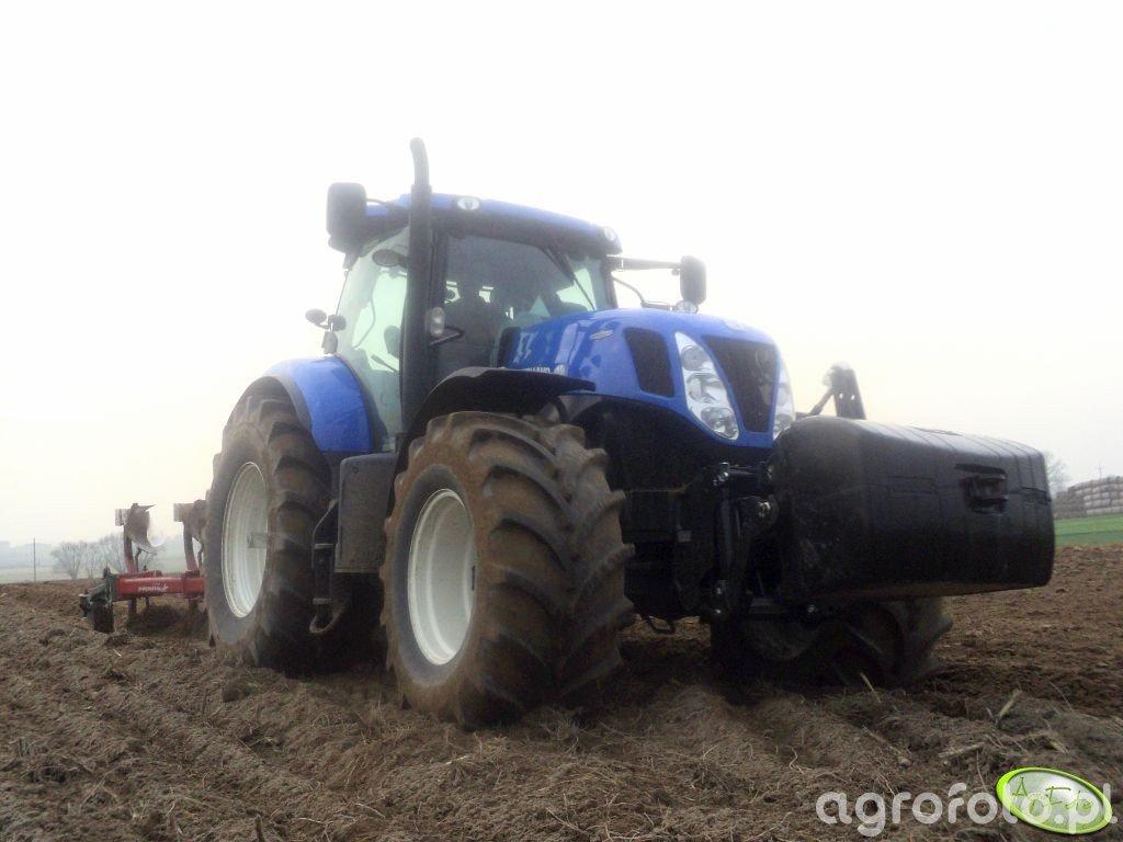 New Holland T7.270 i Kverneland F160