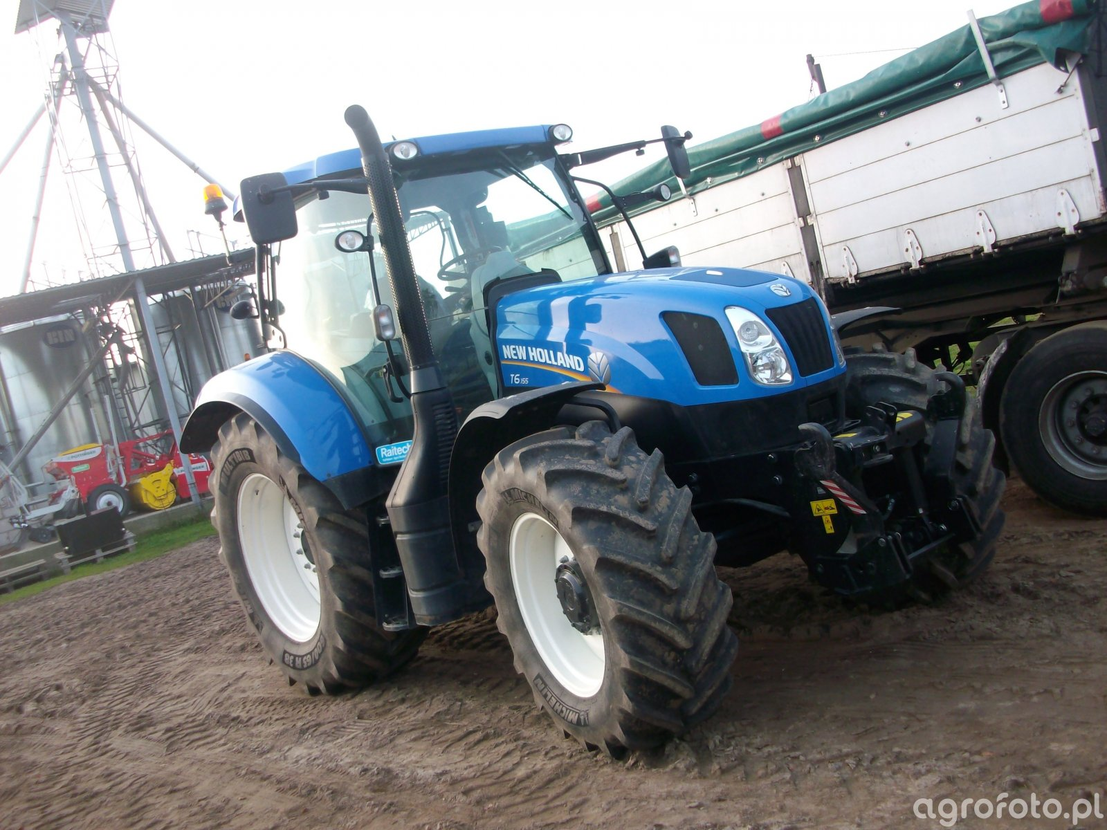 New Holland t6 155