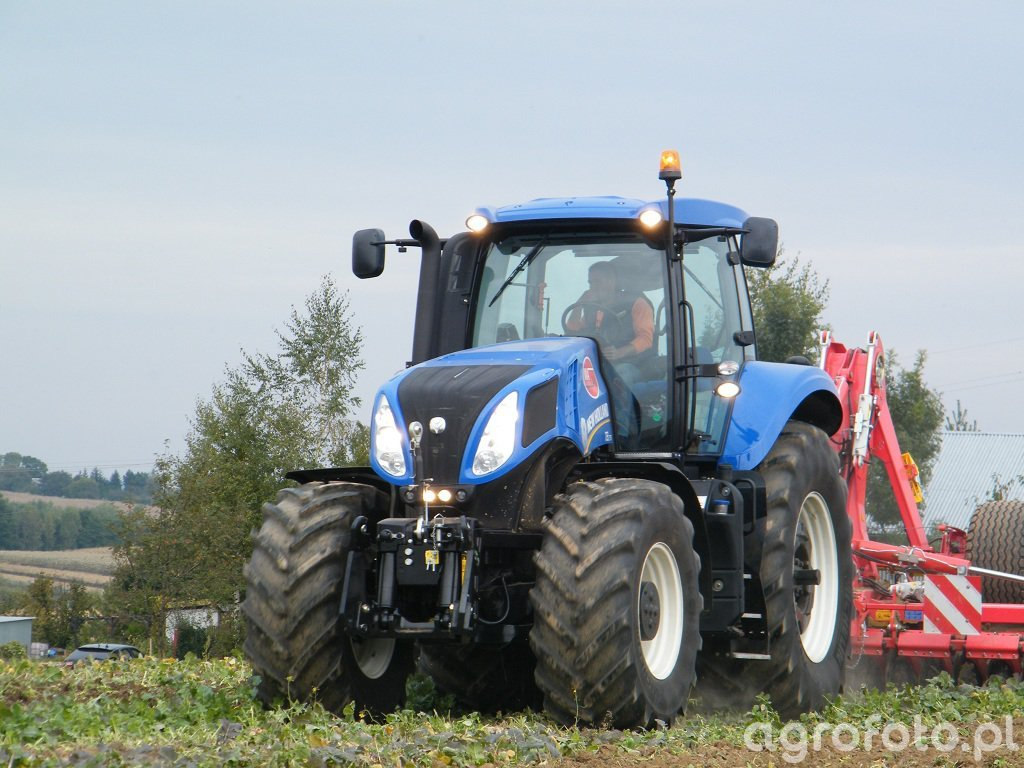 New Holland T8.275+Pottinger Terradisc6001