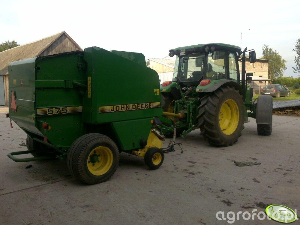 John Deere 5100R + John Deere 575