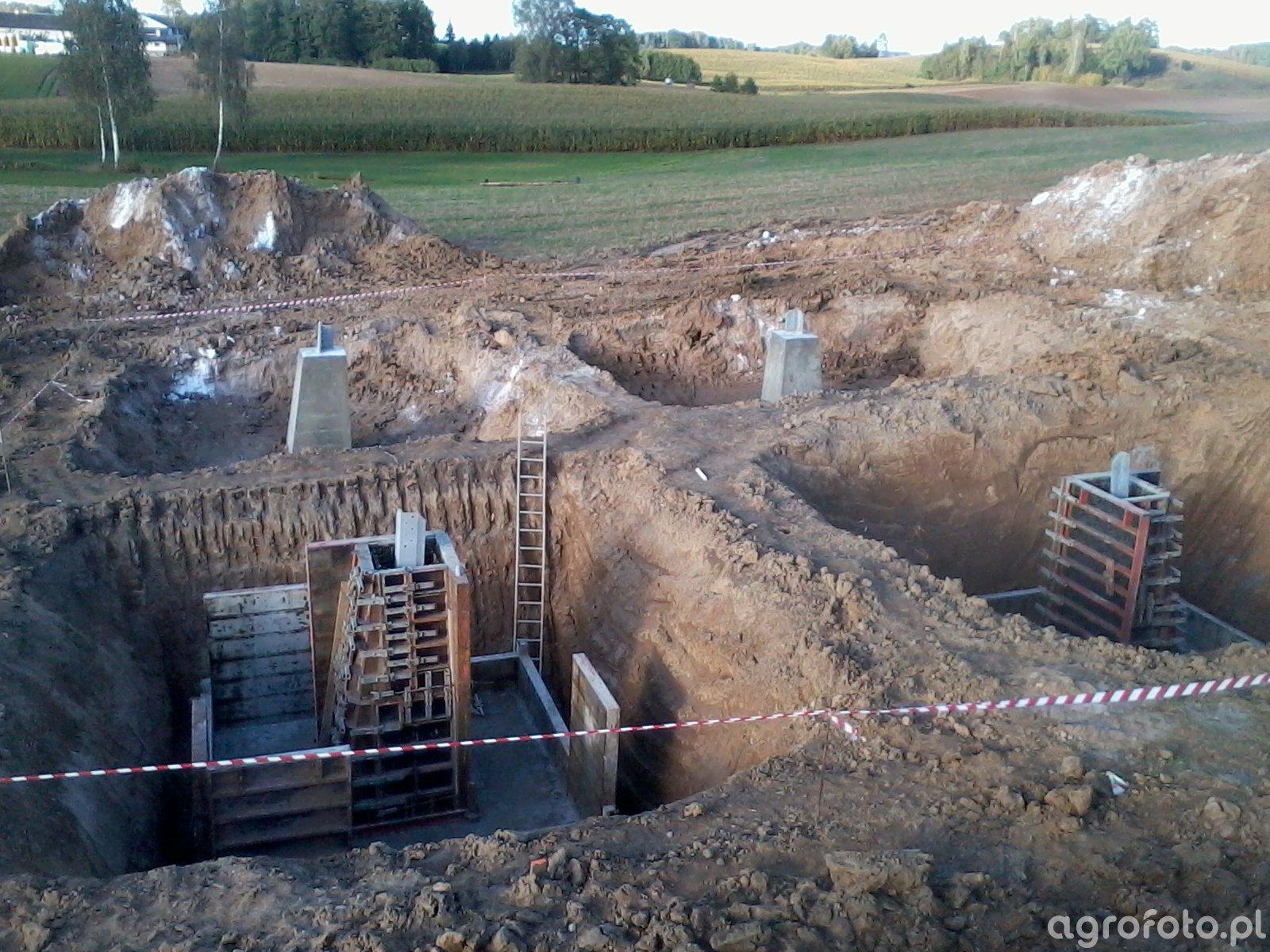 Fundamenty pod słup 2x400kV