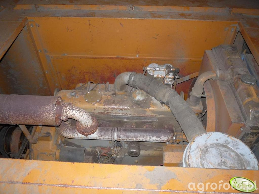 Bizon Z056 silnik