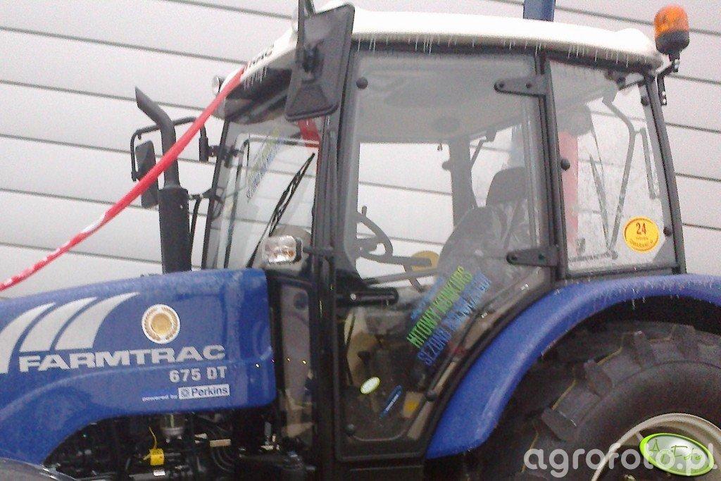 Farmtrac 675 DT