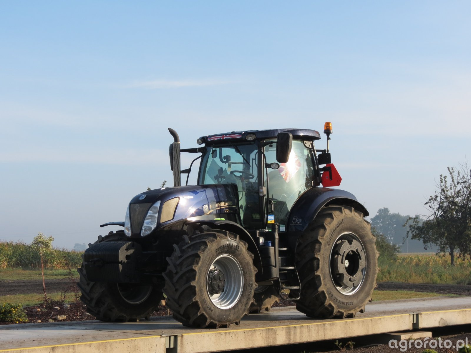 New Holland T7.270 Gold Edition