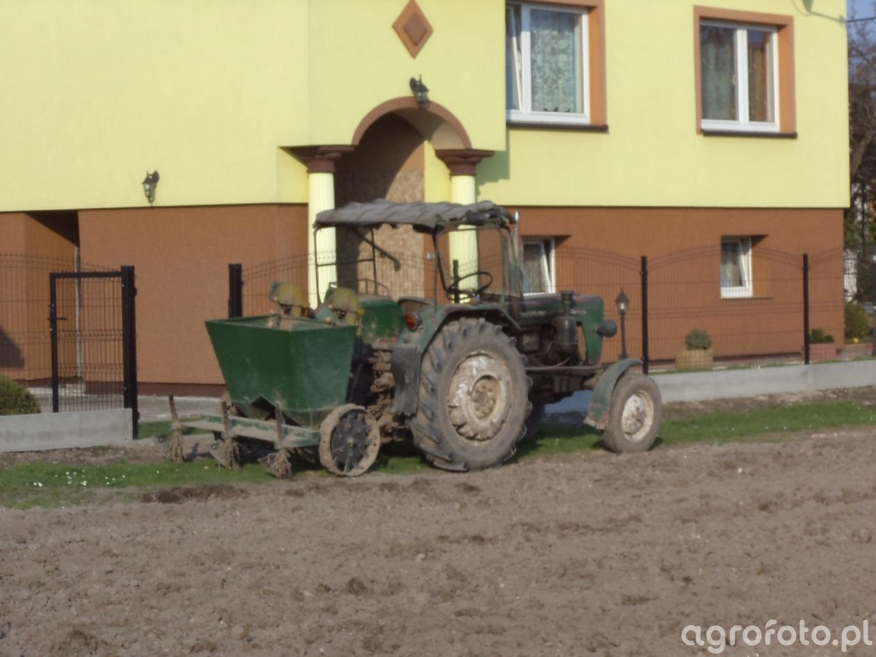 Ursus C-330 + sadzarka