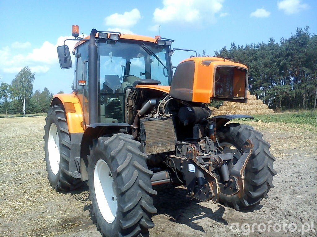Renault Ares 620rz