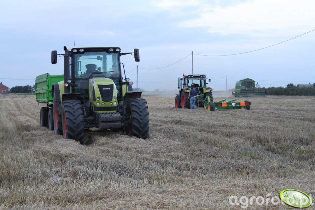 Claas Arion 620, Axos 320 i JD 1570