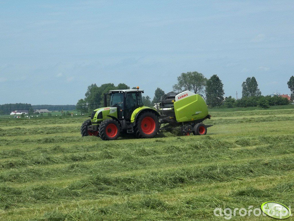 Claas Arion 620 + Claas Variant 360RC