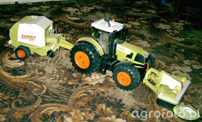 Claas Atles 935 RZ z Claas Rollant 250 i Claas Disco 3050