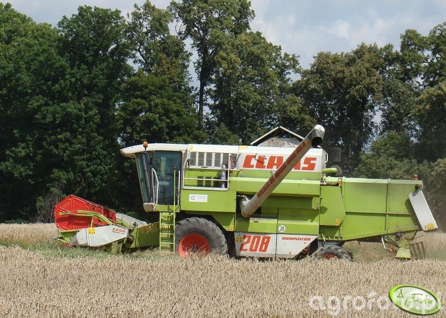 Claas Mega 208.