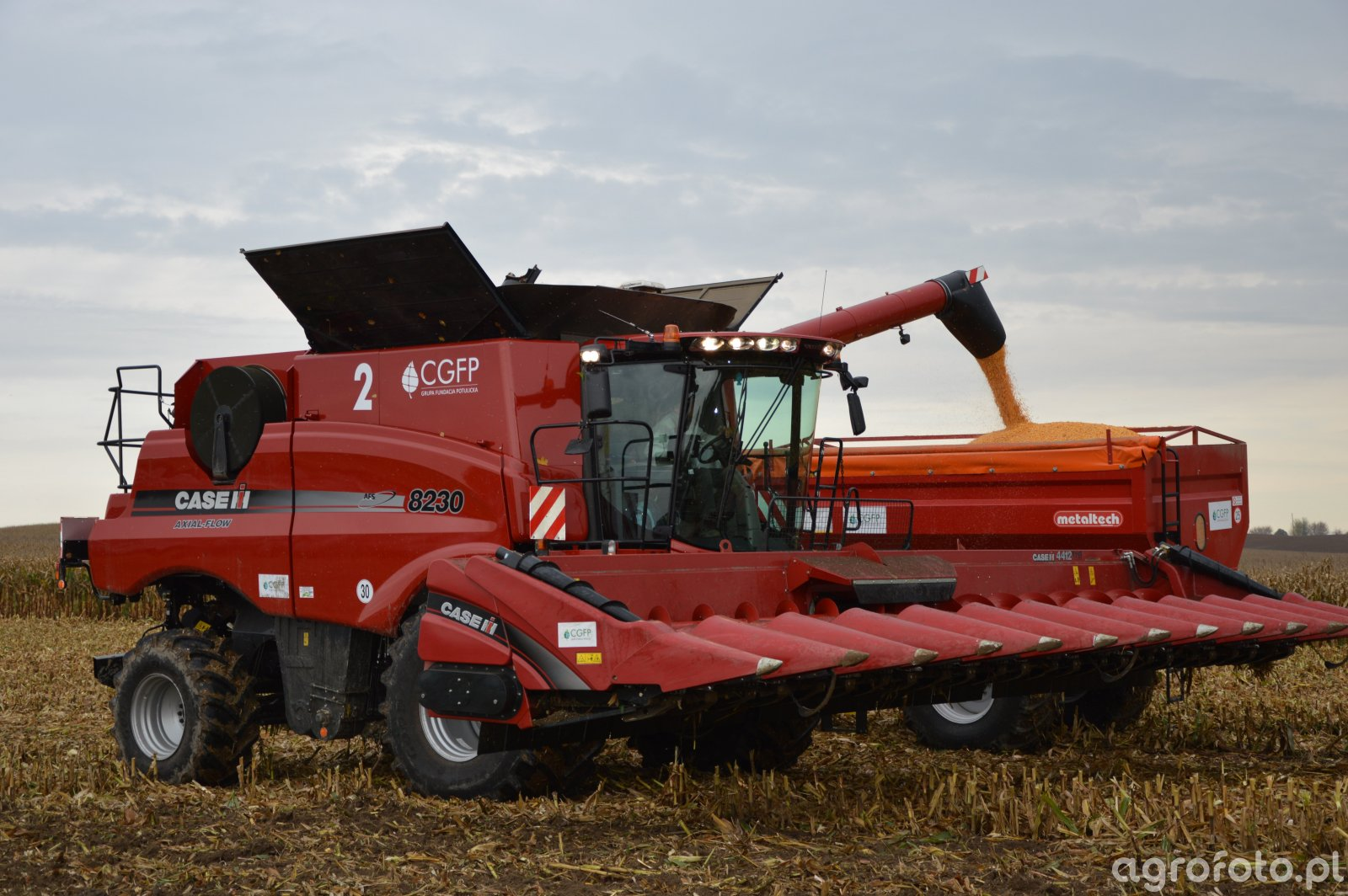 Case AXIAL-FLOW 8230
