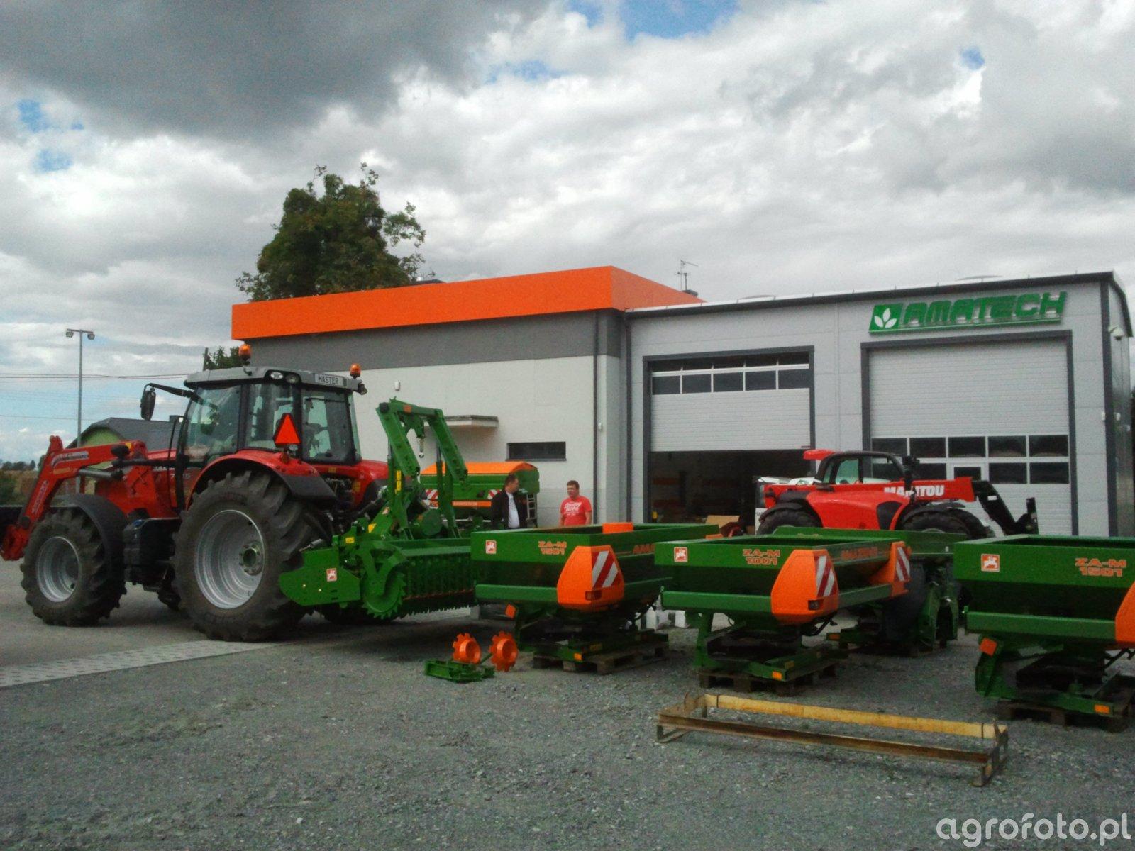 Massey ferguson 7615 Dyna-VT + Amazone KG 3000 Super