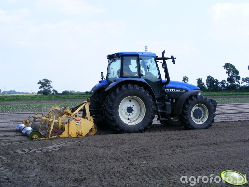 New Holland TM165