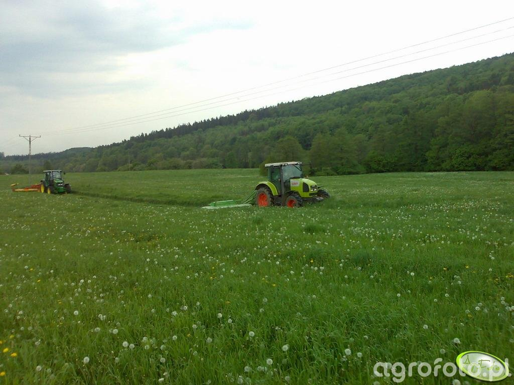 Claas Ares i JD 5720