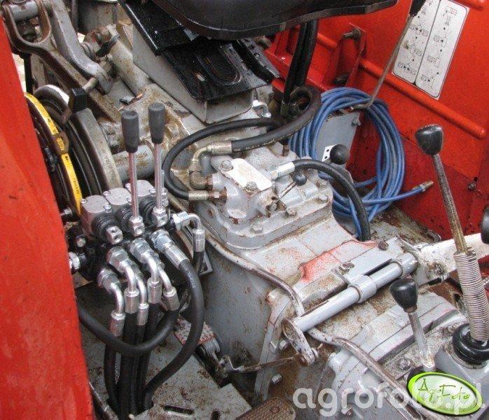 MF 255 - montaż rozdzielacza
