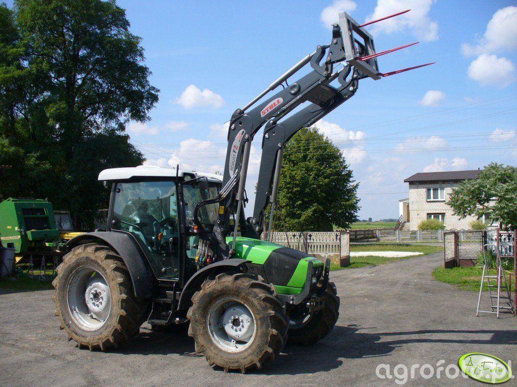 Deutz - Fahr Agrofarm 420 + Stoll Robust FZ 20