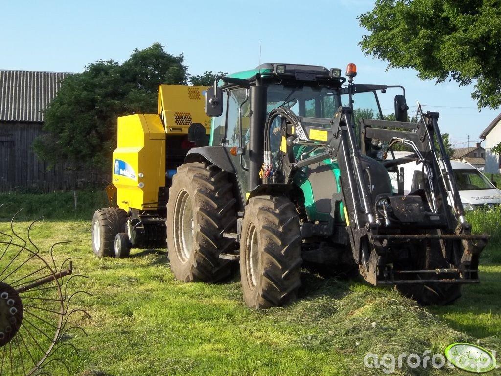Valtra A83 Hi-Tech & NH BR6090 Crop Cutter