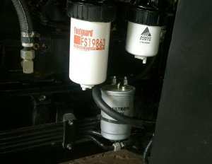 Dodatkowy filtr paliwa w MF 6475