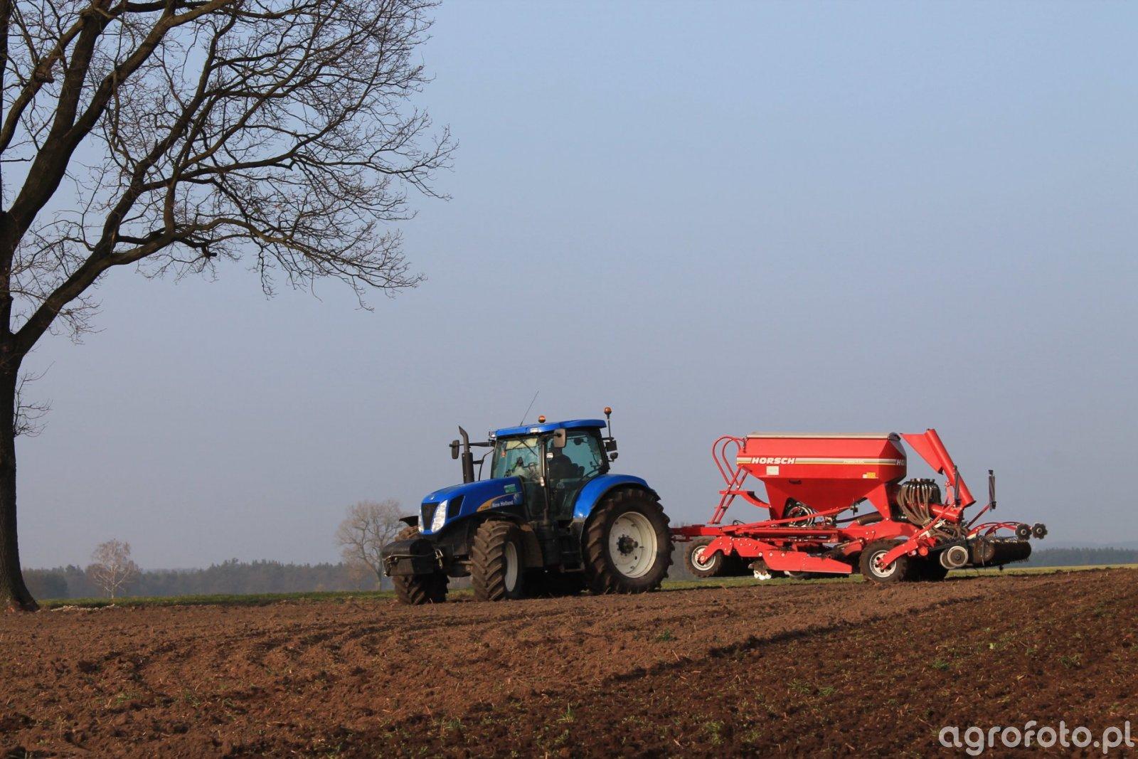 New Holland T7050 & Horsch Pronto 4DC