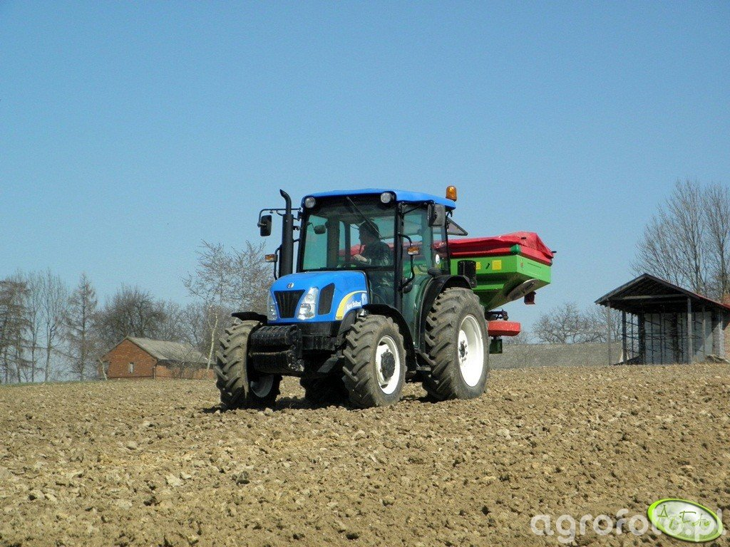 New Holland T4020 + Unia Group MXL 1200