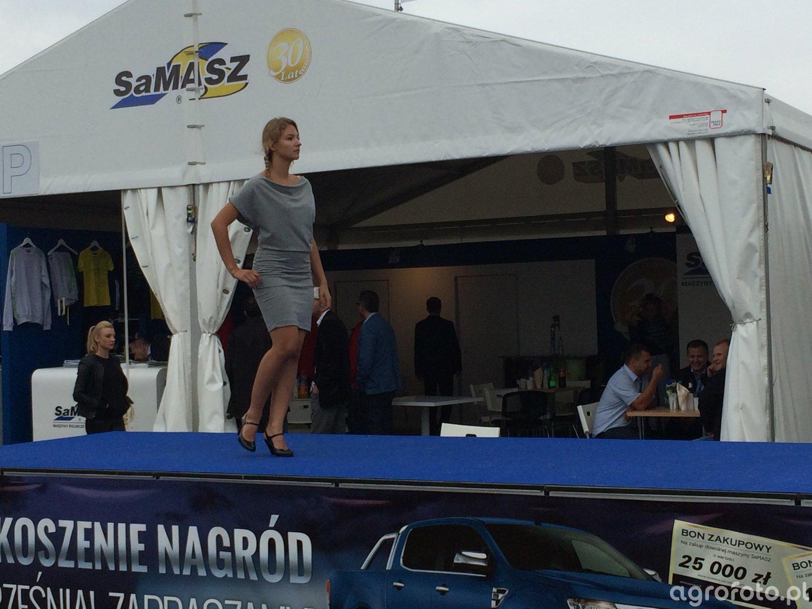 Pokaz mody SaMasz podczas Agro Show 2014