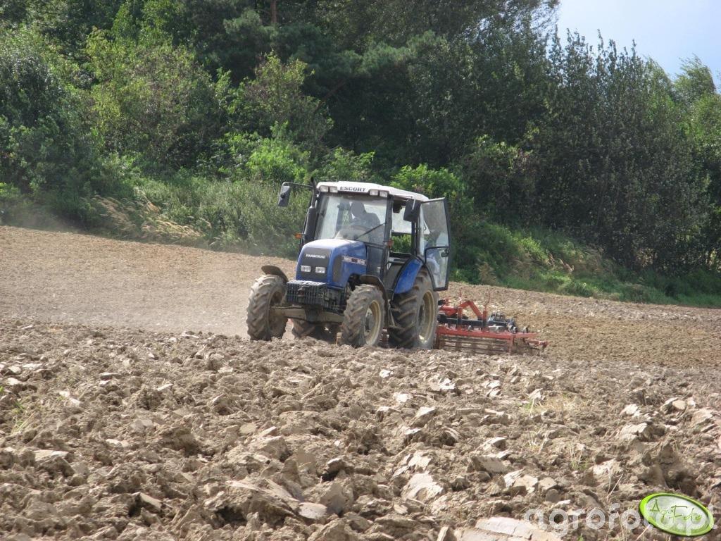 Farmtrac 80 4WD + agregat