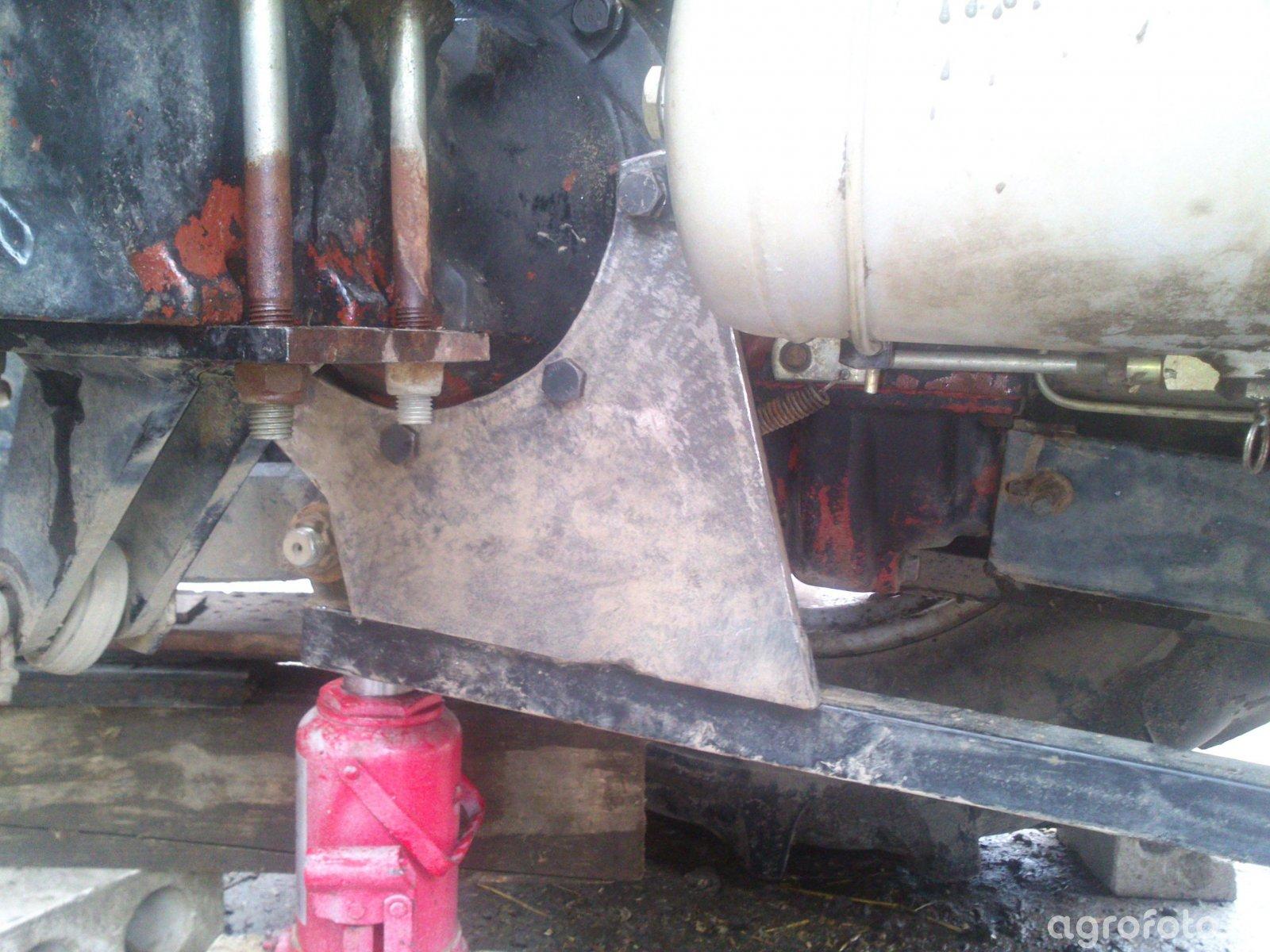 Wzmocnienie mocowania odciągów w turze MetalFach