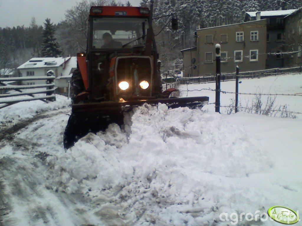 Massey Ferguson 255 + Pług do śniegu