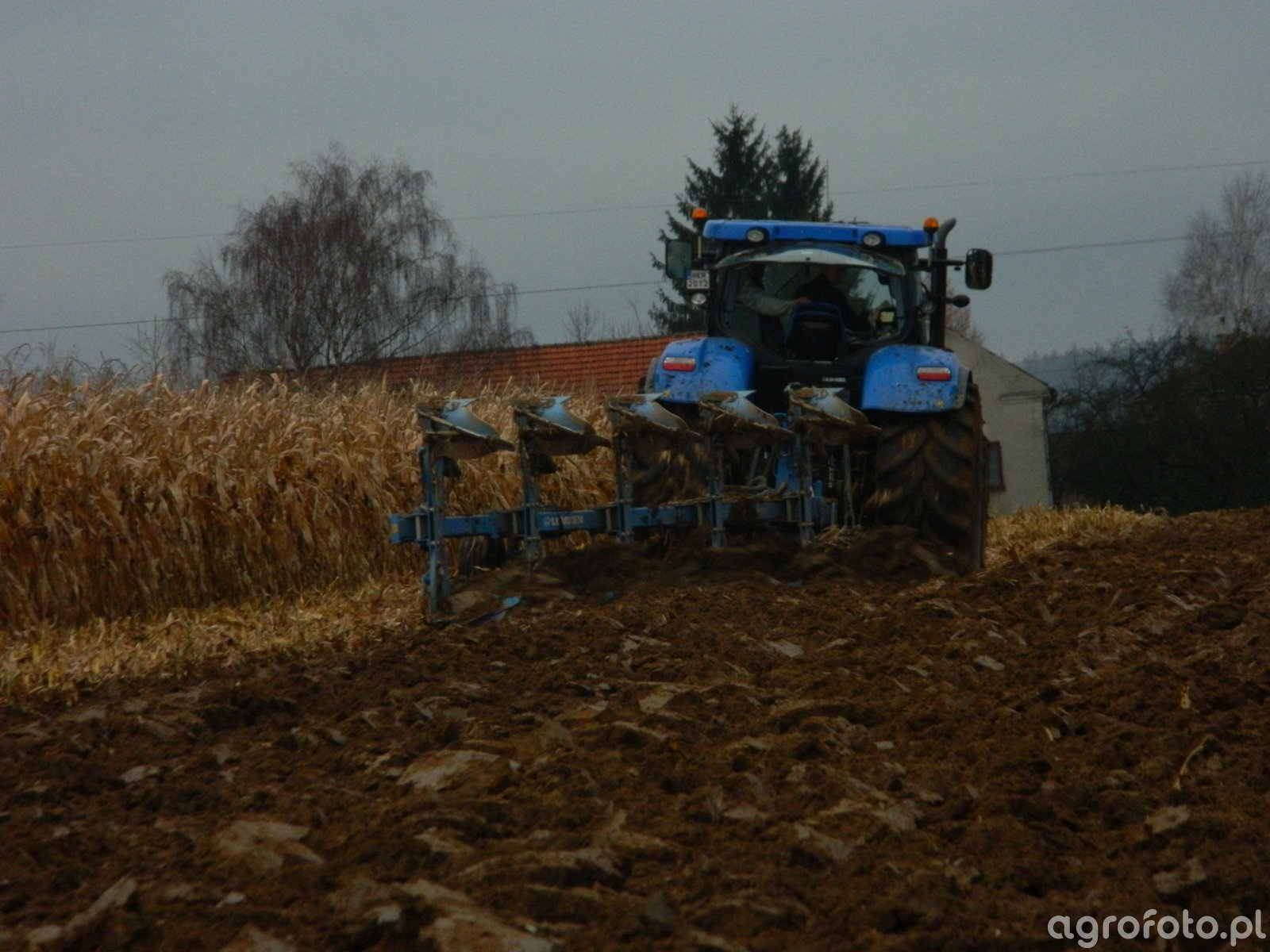 New HollandT7 220, Lemken VariOpal 8