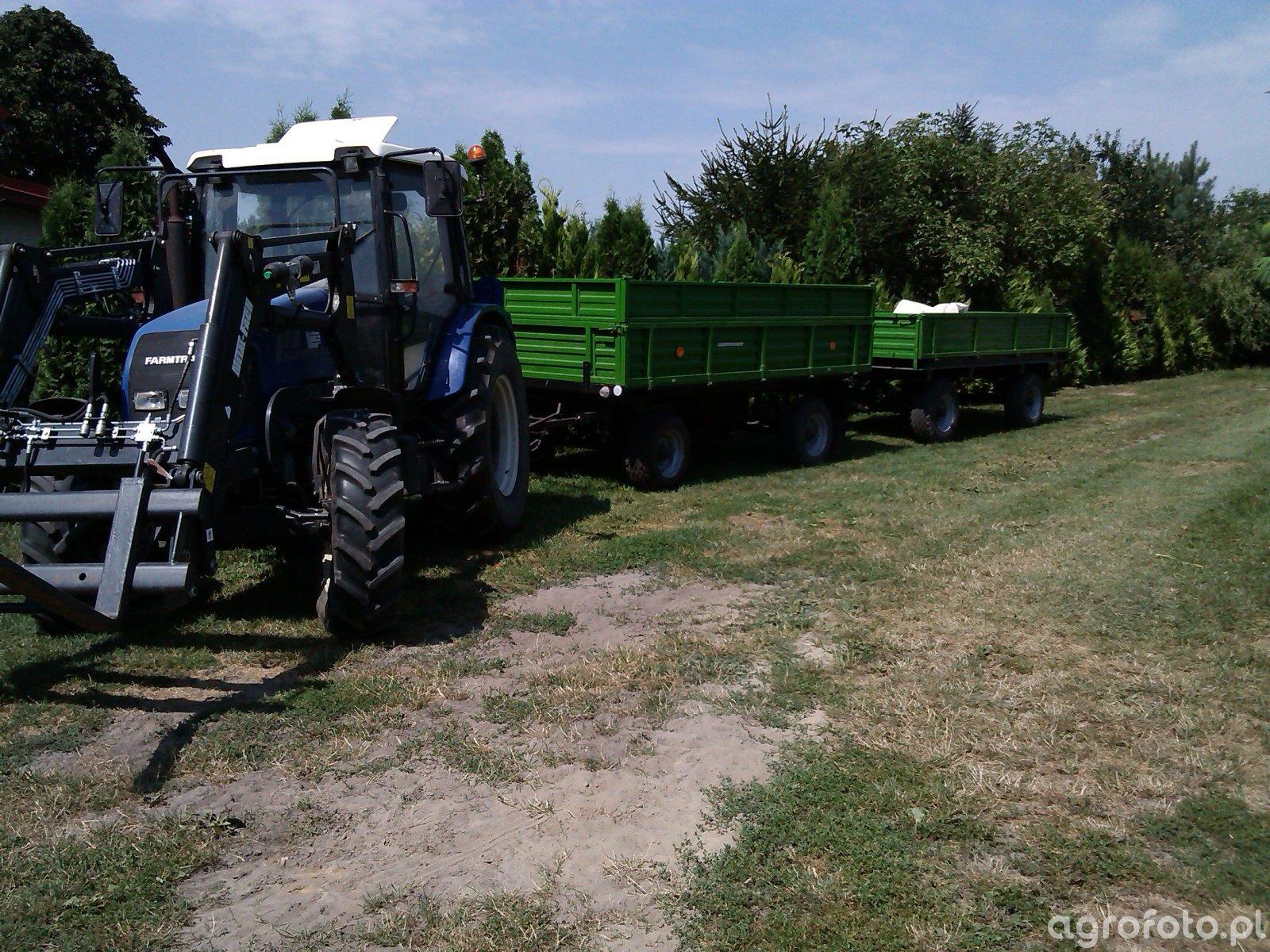 Farmtrac 675 DT + Przyczepa + Rozrzutnik