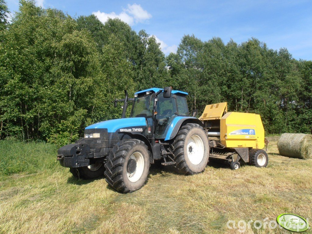 New Holland TM165 & NH BR6090