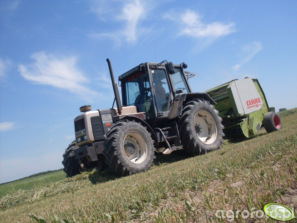 Renault 120.54 Nectra + Claas Rollant 46 Silage