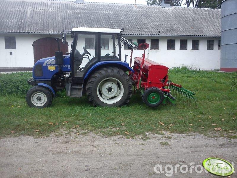 Farmtrac 70 + siewnik