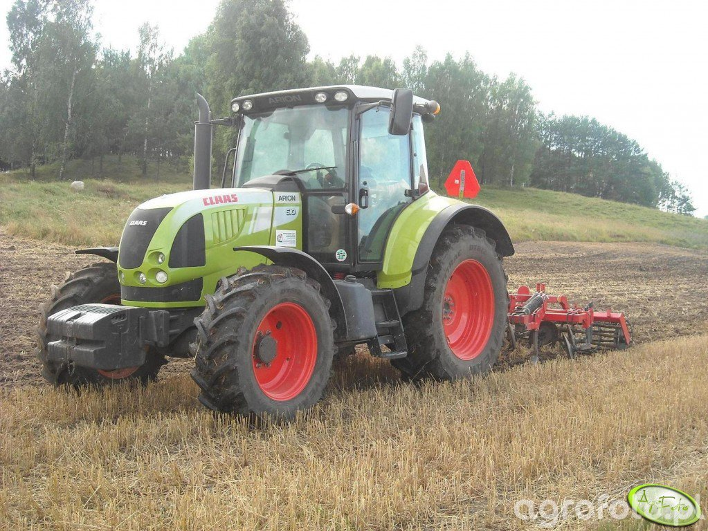 Claas Arion + Brodnica 1