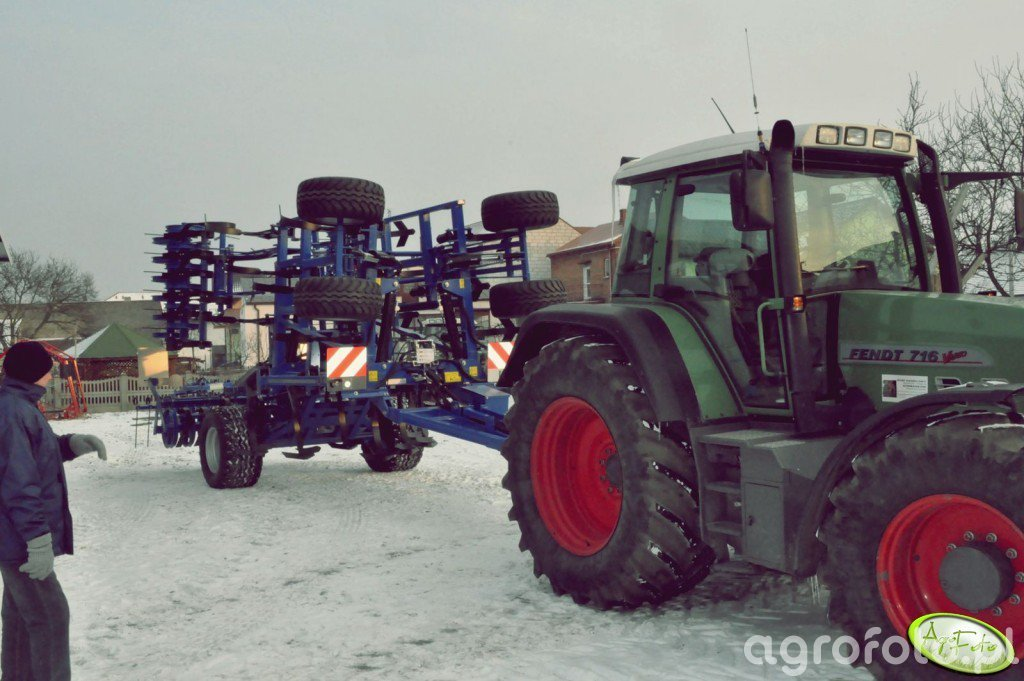 Fendt 716 + Köckerling Vector 8m