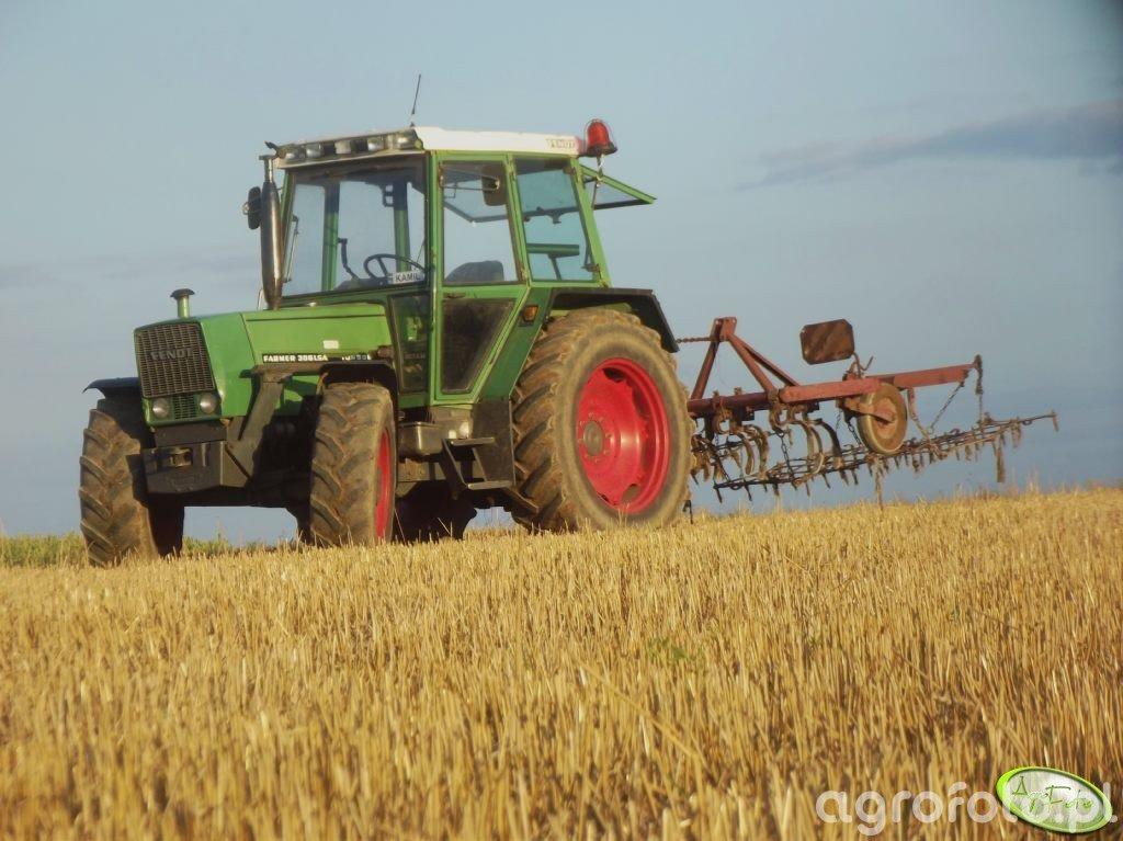Fendt Farmer 306 LSA i Kultywator 2.8m