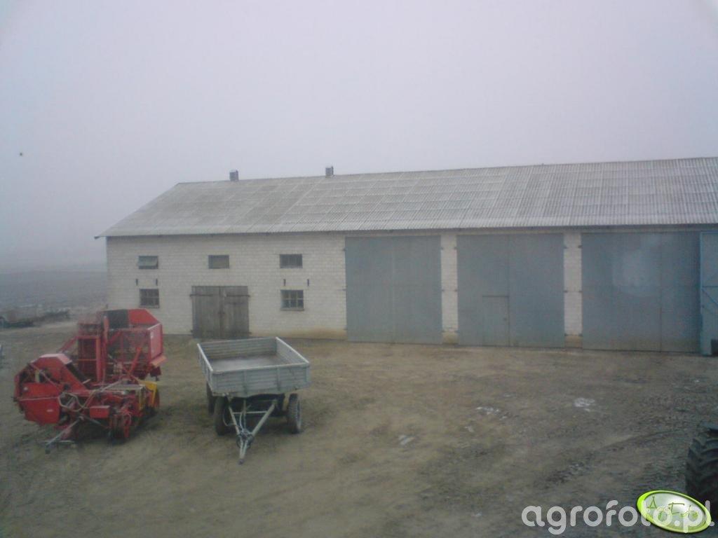 Garaż i podwórko