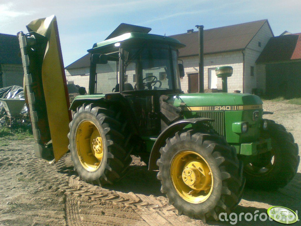 JD 2140 rebo + Fella SM 248