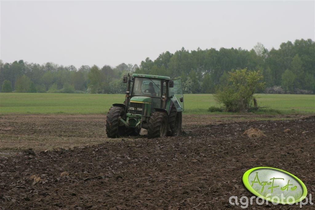 JD 6910 S + Kverneland