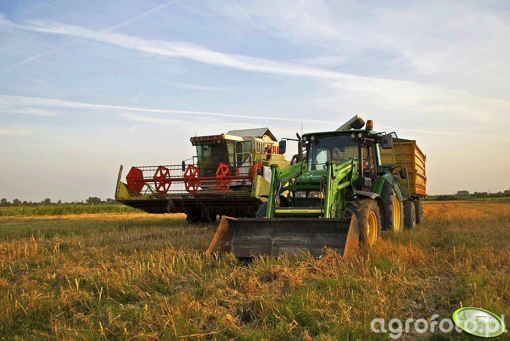 John Deere 5820 + Wielton 12ton + Claas Dominator 108SL