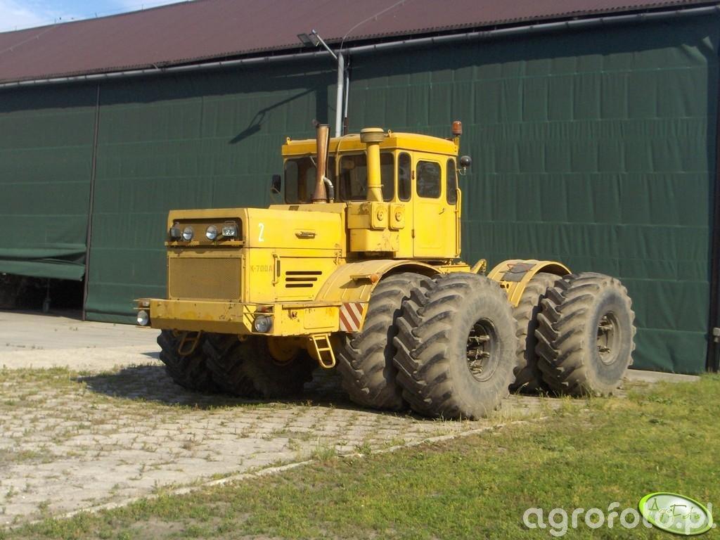 Kiroviets K 700