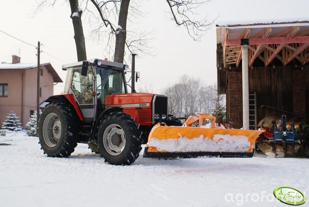 Massey Ferguson 3125 + pług śnieżny