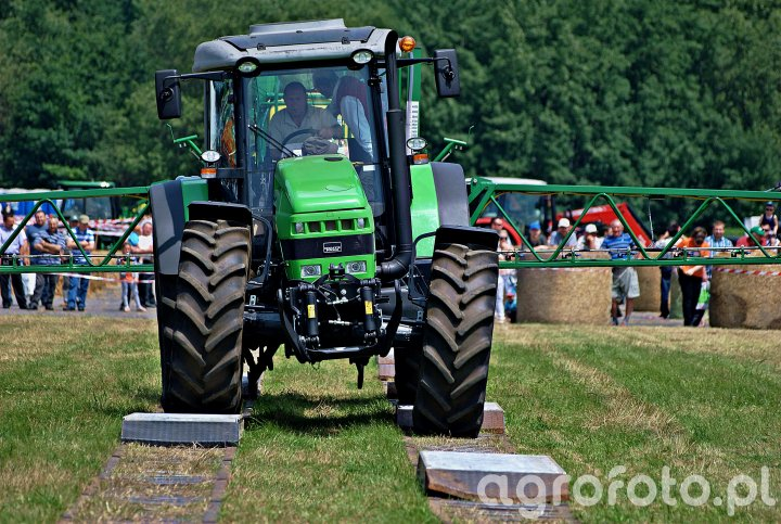 Deutz-Fahr Agrotrac 620 + Unia era 4024