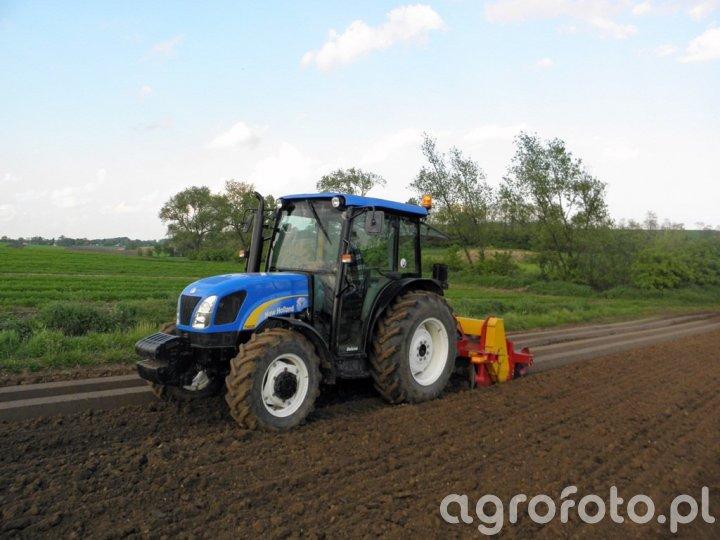 New Holland T4020 + Weremczuk Aur 2